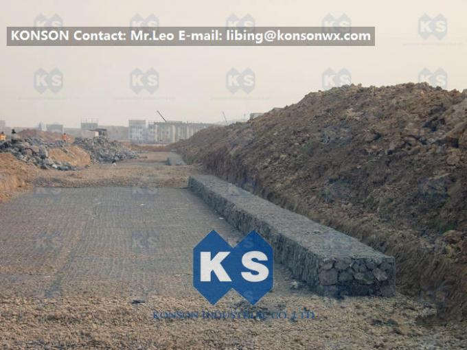 Hexagonal Double Twisted Gabion Stone Baskets / Gabion Mattresses , Monolithic Structure